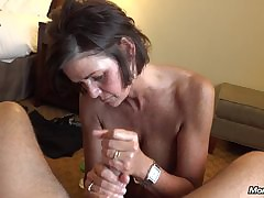 Materfamilias outback MILF gets..