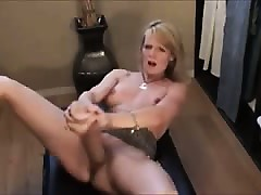 Frying Milf Squirting Back Dildo