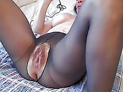 Soft full-grown pussy gets..