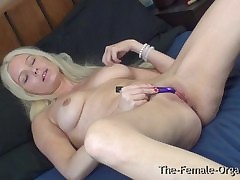 Swedish MILF Masturbating here..