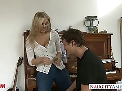 MILF nearly downcast jeans..
