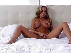 Bigtit cougar Brandi Adore..