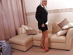 British milf apropos stockings..