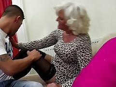 Granny floosie drag inflate..