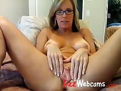 Milf Spreads Expansive Pussy..
